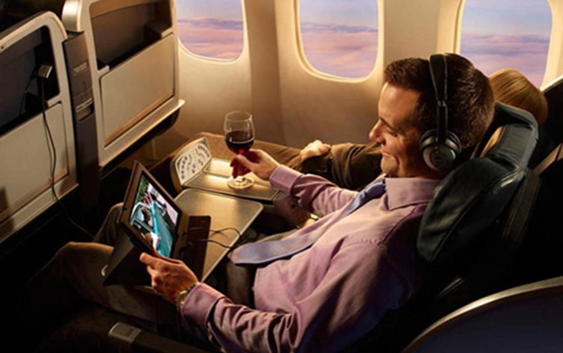 Как работает вай-фай в самолете, сколько стоит интернет на борту