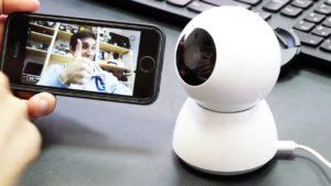 Mijia 360° Home Camera оснащена специальными пазами для крепления на стену или потолок