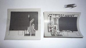 Приложить принт напечатанной стороной к медной поверхности и придавить горячим утюгом