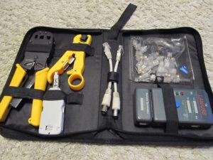 Набор инструментов, необходимый для обжатия проводов