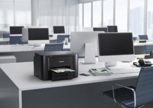 Для использования печатного аппарата другими пользователями на каждом ПК добавляют его в список устройств